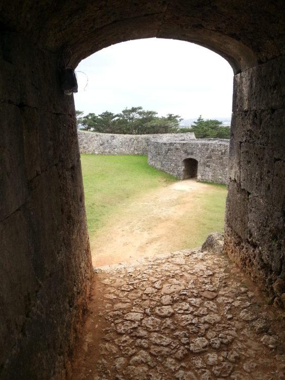 秋の沖縄、座喜味城跡❤