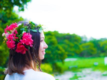 沖縄はビーチフォトだけじゃない♪森での草花アート撮影